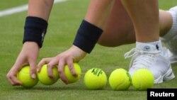 VOA Game Room - Big tennis, a big soccer lawsuit, a big golf win, a big upgrade for Kenya.