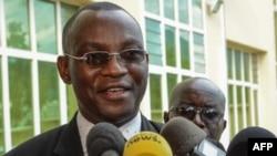 Pierre-Célestin Ndikumana, député d'opposition, devant la presse, Bujumbura, le 24 mai 2018.