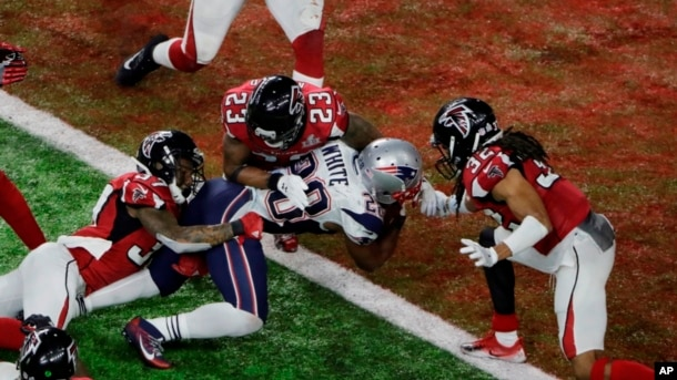 Touchdown final de James White coronado campeones a los Patriotas.