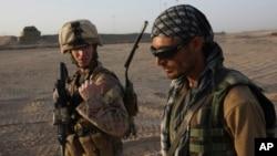 امریکايي چارواکي وايي له افغانستان څخه به خپل افغان همکاران وباسي