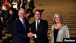 Predsjednik Francuske Emanuel Makron sa australijskim premijerom Malkomom Turnbulom i njegovom suprugom