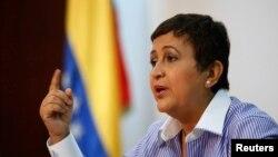 Tibisay Lucena Ramírez, presidenta del Consejo Nacional Electoral, convocó a elecciones presidenciales para abril 14.