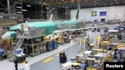 بوئینگ ۷۳۷ مکس هواپیمایی کم مصرف با موتور کم صدا است.