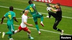 Một pha phản công của đội tuyển Senegal.