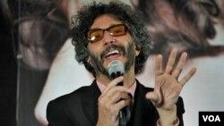 """El cantante añadió que """"Buenos Aires quiere un gobierno de derechas. Pero de derechas con paperas""""."""