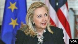 Menlu AS Hillary Rodham Clinton melakukan kunjungan bersejarah ke Burma pekan ini (foto: dok).