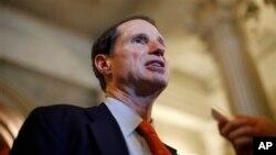 Thượng nghị sĩ đảng Dân chủ Ron Wyden hé lộ một kế hoạch thông qua Quyền Xúc tiến Thương mại (gọi tắt là TPA).