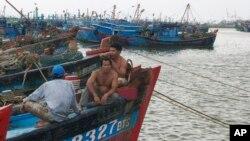 Ngư dân Việt quyết tâm bám biển để bảo vệ ngư trường và chủ quyền lãnh hải.