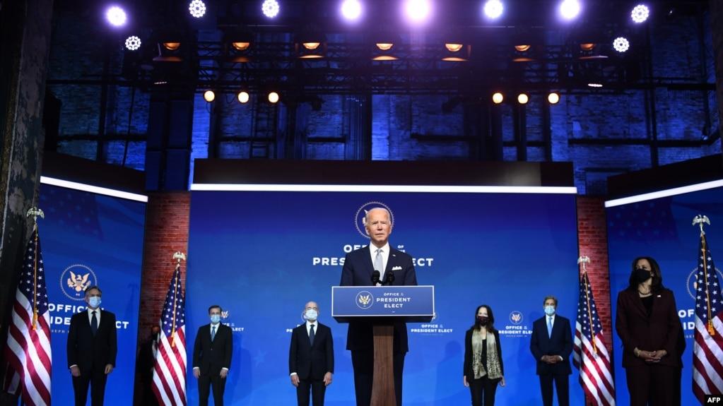 Presiden terpilih Joe Biden mengumumkan susunan kabinet di Wilmington, Delaware, on November 24, 2020.