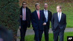 Держсекретар США Джон Керрі (другий зліва) у Женеві