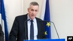 Jaksa penuntut masalah terorisme Perancis, Francois Molins berbicara kepada media di Paris (foto: dok).