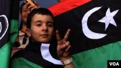 Voceros rebeldes creen que tienen rodeado el lugar donde se encuentra Gadhafi, su familia y sus más cercanos aliados.