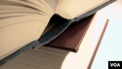 Kejaksaan Agung beberapa waktu yang lalu melarang peredaran sejumlah buku yang dianggap mengganggu ketertiban umum.