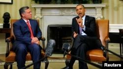 Berbicara di Gedung Putih di sisi tamunya, Raja Yordania Abdullah (kiri), Presiden AS Barack Obama mengatakan, pendekatan AS terhadap konflik Suriah akan berubah jika Damaskus terbukti menggunakan senjata kimia (26/4).