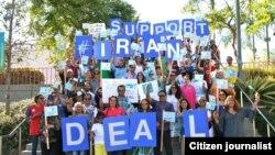 Người ủng hộ thỏa thuận hạt nhân Iran tuần hành tại Los Angeles.