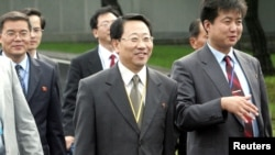 Tư liệu: Ông Kim Myong Gil, Phó Đại sứ Triều Tiên tại LHQ, cựu Đại sứ Triều Tiên tại Việt Nam, sẽ dẫn đầu các cuộc thương thuyết với Hoa Kỳ về chương trình vũ khí hạt nhân của Bình Nhưỡng. Ảnh chụp ngày 8/8/2007. Ahn Young-joon/Pool via REUTERS/File photo