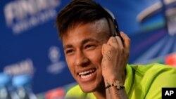 Pengadilan Brazil membekukan hampir $ 48 juta asset Neymar karena tuduhan penghindaran pajak (foto: dok).