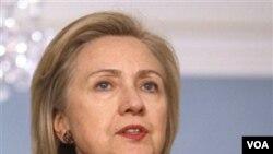 Menlu AS Hillary Clinton sedang menuju Jenewa untuk merundingkan lebih lanjut penanganan krisis Libya dengan para sekutu AS.