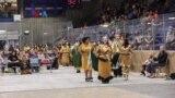 Kompetisi Olah Raga dan Kontes Putri Suku Asli Amerika