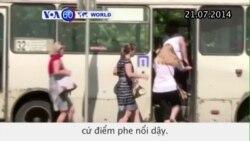 Người dân Ukraine tháo chạy lánh giao tranh dữ dội (VOA60)