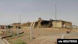 Gedung yang rusak dilalap api kebakaran di Fasilitas Nuklir Natanz di Isfahan, 2 Juli 2020. Satu dari sejumlah insiden di fasilitas-fasilitas strategis, termasuk di pembangkit listrik Kota Ahvaz.