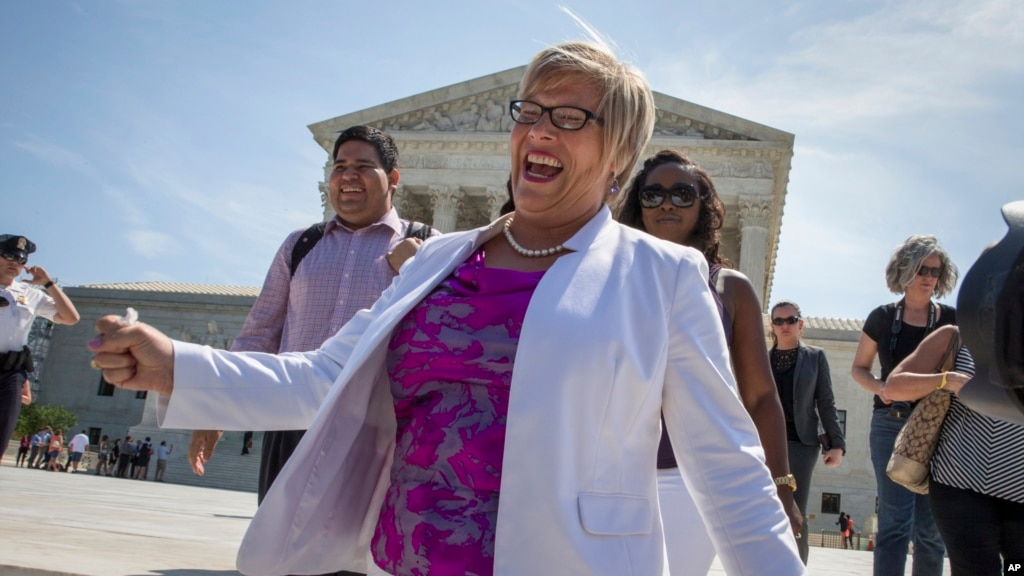 Texas may not restore lost abortion clinics despite ruling