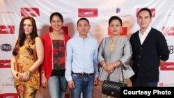 (ki-ka) Wulan Guritno, Prisia Nasution, Lukman Sardi, Edwin Nazir, bersama ibu Molly Prabawati, Kasubdit Festival dan Eksibisi Film, Direktorat Pengembangan Industri Perfilman Kementerian Pariwisata dan Ekonomi Kreatif