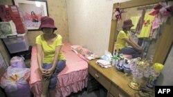 Niko, một phụ nữ Ðài Loan 47 tuổi hành nghề mãi dâm trong một phỏng vấn với Reuters ở Đài Bắc (ảnh tư liệu)