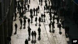 Στα 7 δισεκατομμύρια θα φτάσει μέχρι τη Δευτέρα ο πληθυσμός της γης