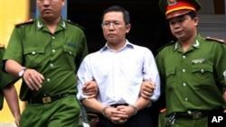 Ông Phạm Minh Hoàng sau phiên xử năm 2011.
