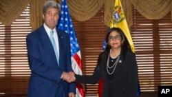 El encuentro , que se realizó en la cancillería de República Dominicana, no fue cálido pero sí respetuoso se informó.