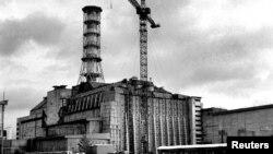 نمایی از تاسیسات واژگون شدۀ هسته یی چرنوبیل در اوکراین