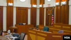 Una cuarta víctima sobrevivió y testificó que había sido agredida sexualmente.