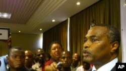 Bem vindos a CASA. Abel Chivukuvuku anuncia nova formação política