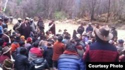 藏人抗议中国当局开采圣山