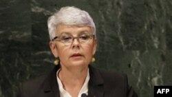 Thủ tướng Jadranka Kosor kêu gọi những người ủng hộ các bị can đừng hành động cực đoan để phản đối bản án