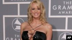 """Cô Stephanie Clifford, nghệ danh Daniels """"Bão tố"""", chụp tại lễ trao giải Grammy tháng 2, 2007."""