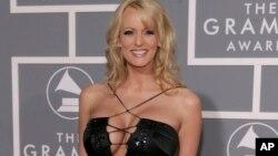 Nữ diễn viên Stephanie Clifford, còn gọi là Daniels 'bão tố', tại lễ trao giải Grammy ở Los Angeles, 2/2007.
