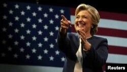 미국 민주당의 힐러리 클린턴 대통령 후보가 지난 13일 캘리포니아주 샌프란시스코에서 열린 정치후원금 모금행사에 참석했다.