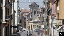 Una iglesia ha quedado semidestruida en Mirandola, en el norte de Italia tras el temblor de este martes 29 de mayo.