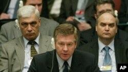 گینادی گادیلۆڤ جێـگری وهزیری دهرهوهی ڕووسیا(ئهرشیفی وێنه 2004)