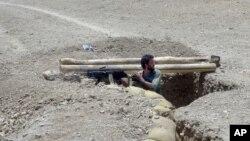 美國直升機星期一上午﹐轟炸了阿富汗巴拉吉巴拉克地區一個安全哨站。造成至少八名阿富汗軍人死亡,數人受傷。