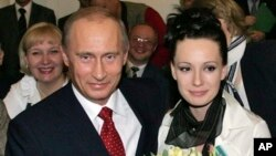 Владимир Путин и Чулпан Хаматова. Архивное фото.