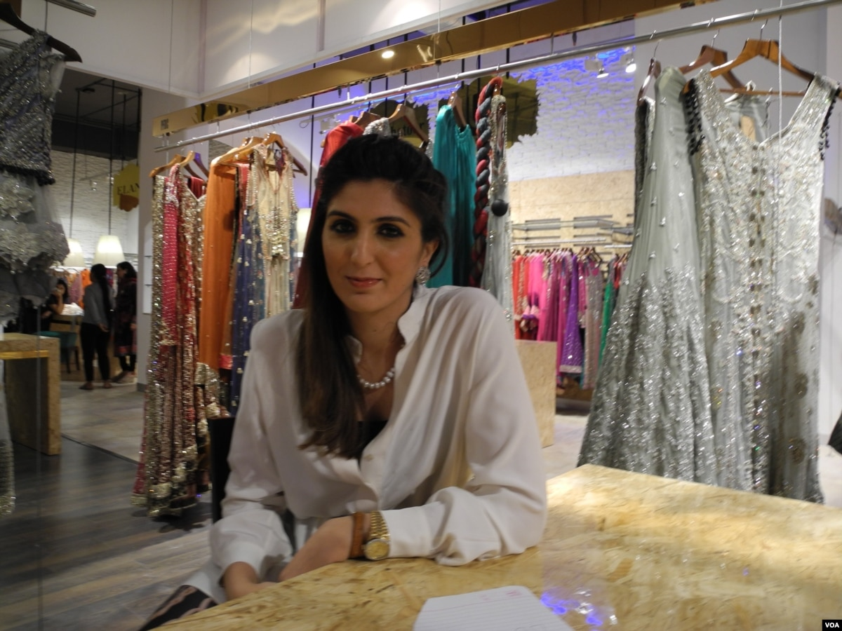 f6f8f4908ba Pakistani Designer Clothing on Sale in India