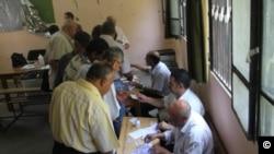 Tidak banyak warga Mesir yang memberikan suara pada hari pertama pemilihan Presiden Mesir hari ini (16/6).