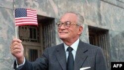 De Laurentiis, 1986 yılından bu yana Amerikan vatandaşıydı