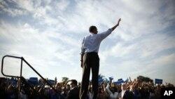 美國總統奧巴馬週日在佛羅里達州一家高中學校進行競選活動
