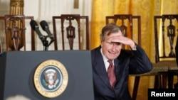 前美国总统老布什(资料照)