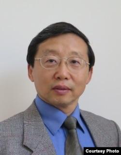 美国华人全国委员会主席苏汲
