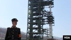 지난해 4월 장거리 미사일 '은하 3호'를 발사 준비 중인 있는 북한 평안북도 동창리 발사장.